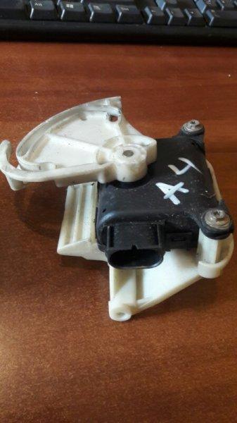 Сервопривод заслонок печки Audi A4 B5 УНИВЕРСАЛ ARG 1.8 НЕ ТУРБО 2000