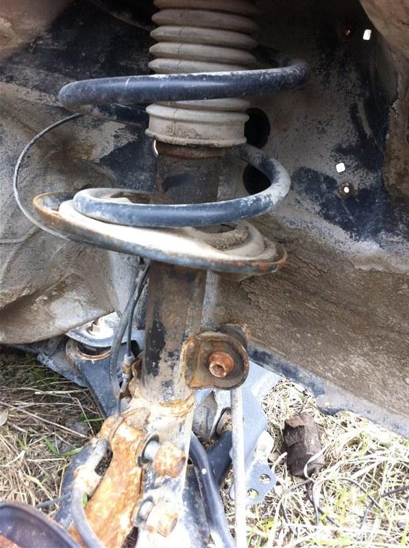 Стойка подвески Toyota Rav4 30 2012 передняя левая