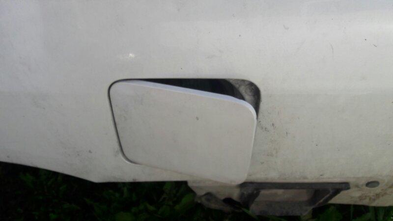 Лючок топливного бака бензобака Nissan Expert W11 QG18DE 2001
