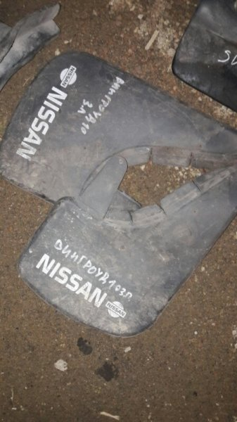 Брызговик Nissan Wingroad VY11 QG15DE 2000