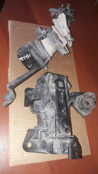 Крепление клипса бампера Mazda Mpv LVEW, LVLR, LVLW WL 1996