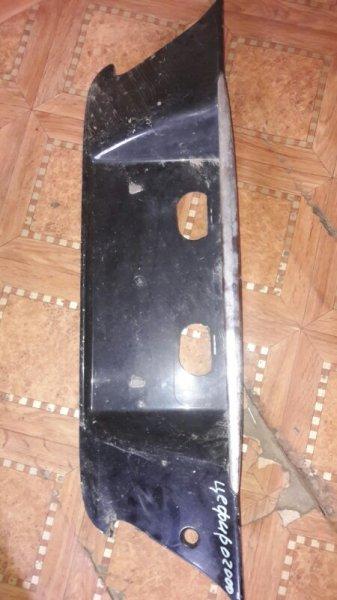Рамка подсветки крепления номера накладка крышки багажника Nissan Cefiro A33 VQ25DE 2000