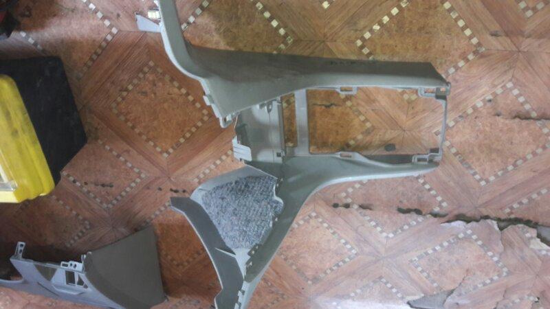 Консоль между сидений Toyota Mark Ii GX110,GX115 1GFE 2001