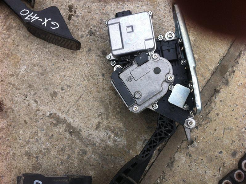 Педаль акселератора ( газа ) Infiniti Qx56 Z62
