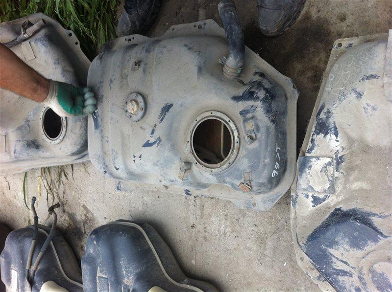 Топливный бак Toyota Duet