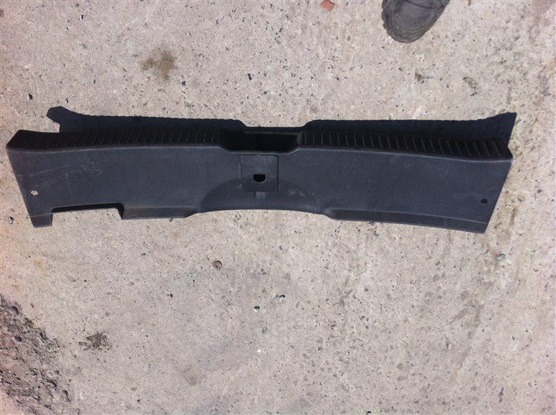 Обшивка пластик накладка багажника Mazda Cx7
