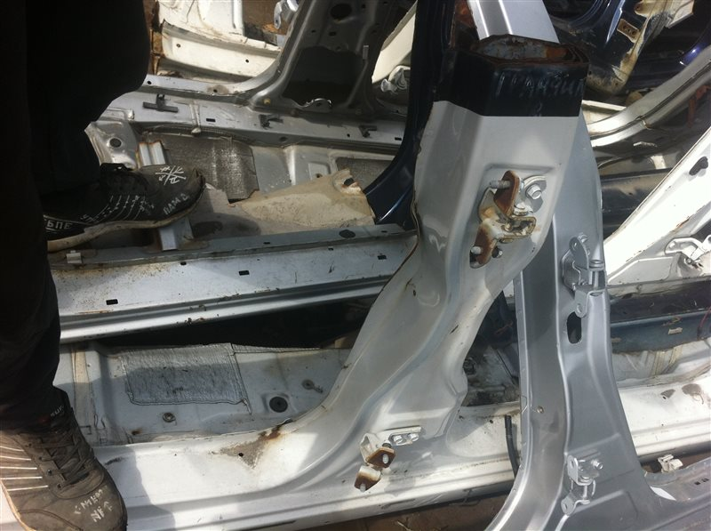 Порог кузовной Mitsubishi Grandis правый