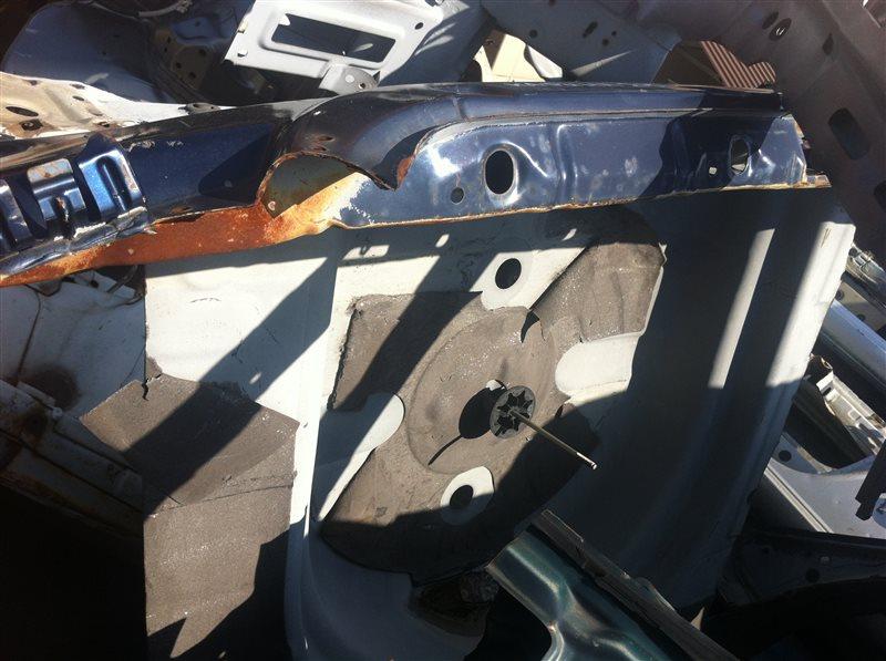 Ванна в багажник Toyota Carina 210