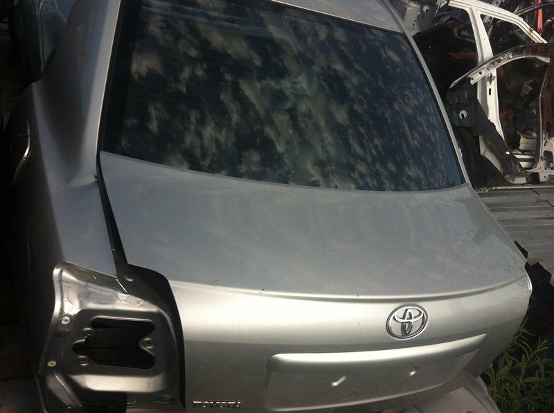 Задняя часть Toyota Avensis 250