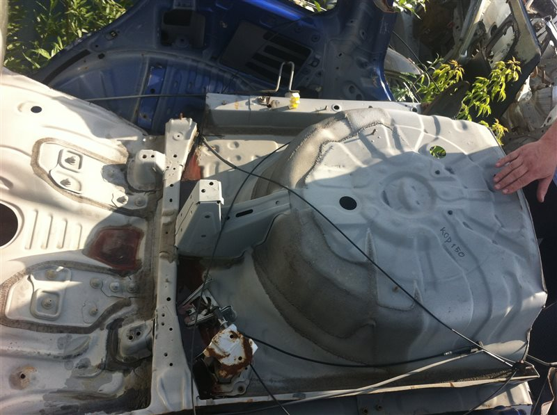 Ванна в багажник Toyota Corolla 150