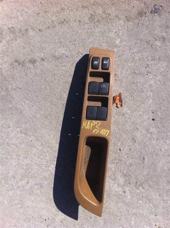 Блок управления стеклоподъемника Nissan March 12