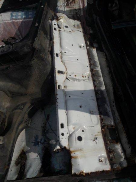 Полка багажника (задняя панель) Toyota Mark Ii GX81, GX80 1GFE 1992