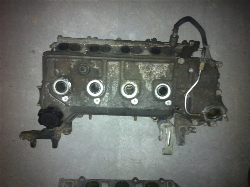 Головка блока цилиндров Toyota 3SD4