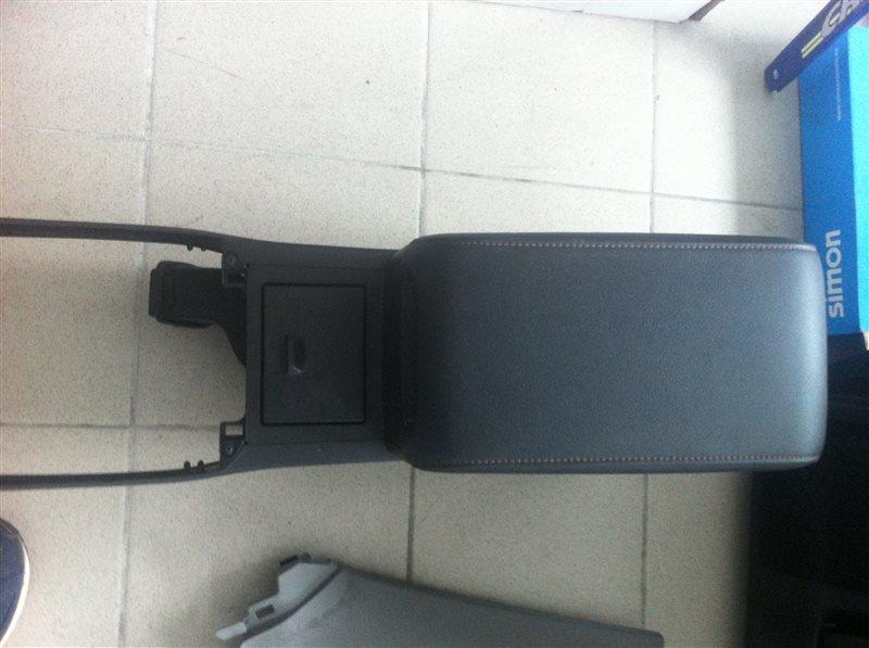 Бардачок Toyota Camry ASV50 2012