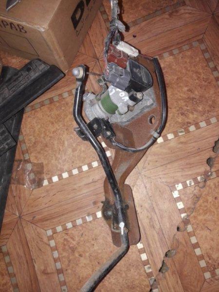 Педаль акселератора ( газа ) Nissan Patrol WFGY61 VRGY61 WRGY61 WTY61 WYY61 WGY61 RD28T RD28TI 2000