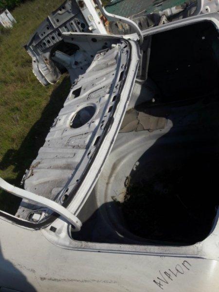 Петля крепление крышки багажника Toyota Avalon 10 1999