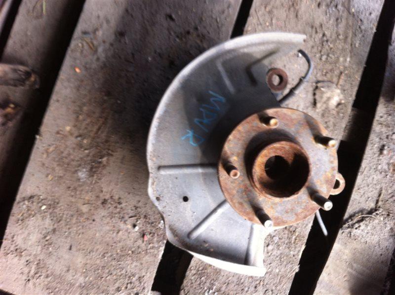 Кулак поворотный Mazda Mpv 2001 передний