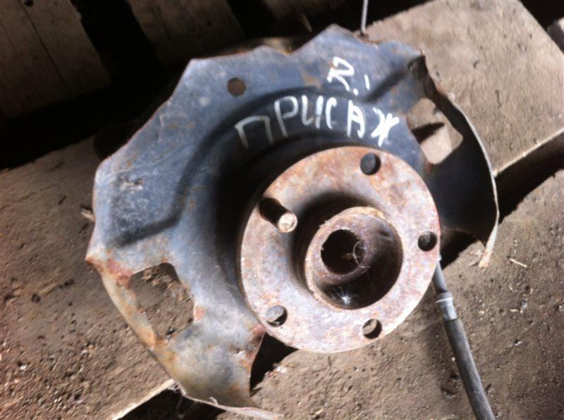 Кулак поворотный Nissan Presage 30 передний