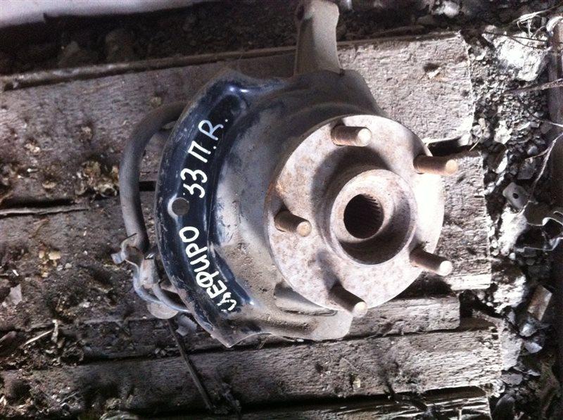 Кулак поворотный Nissan Cefiro 33 передний