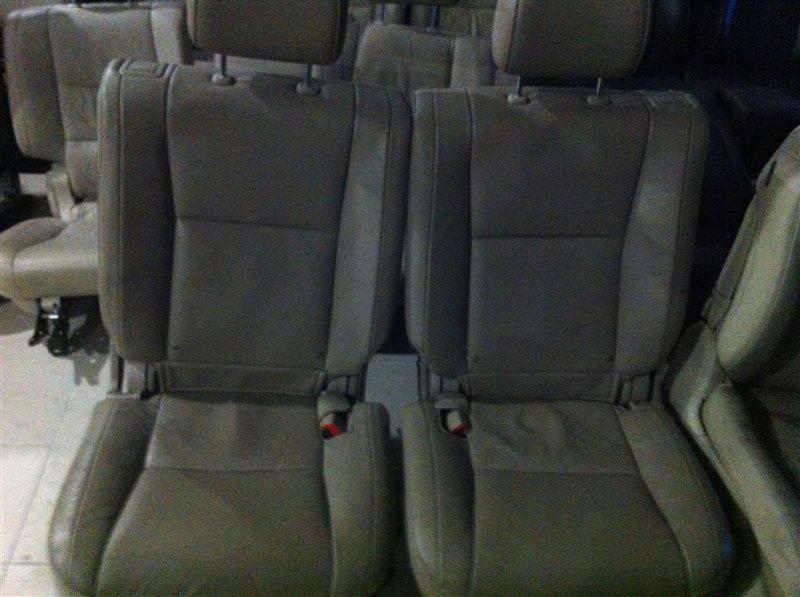 Сиденье Toyota Sequoia 60 3UR 2010 заднее