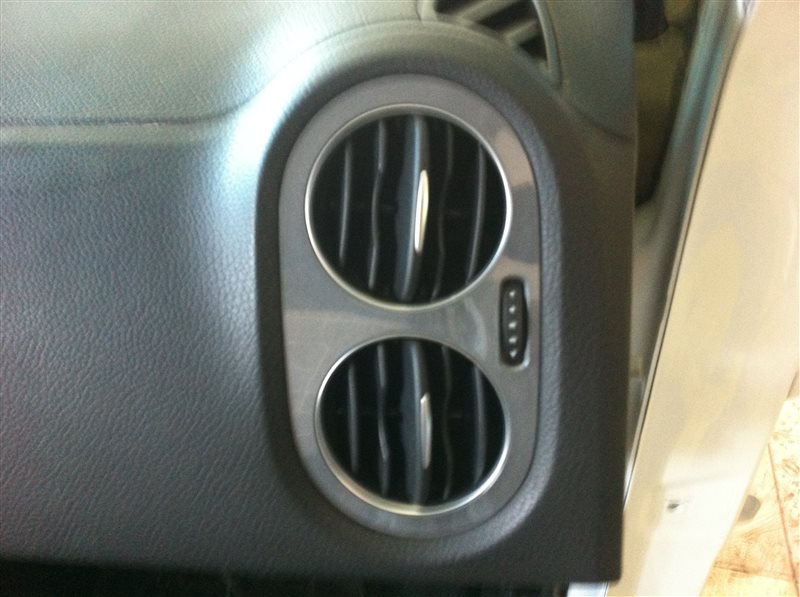 Дефлектор. регулятор воздушного потока Volkswagen Tiguan 5N2 2.0TFSI 2014