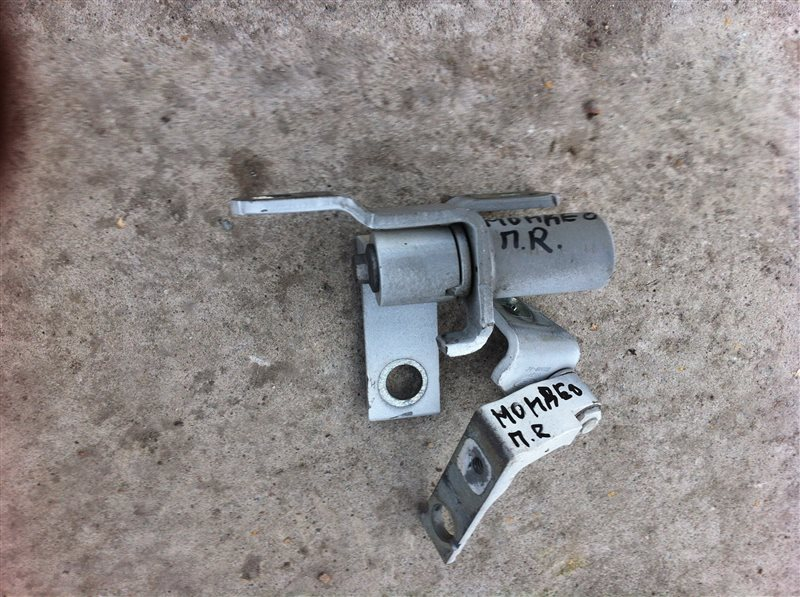 Петли на дверь ( крепление двери) Ford Mondeo 2011
