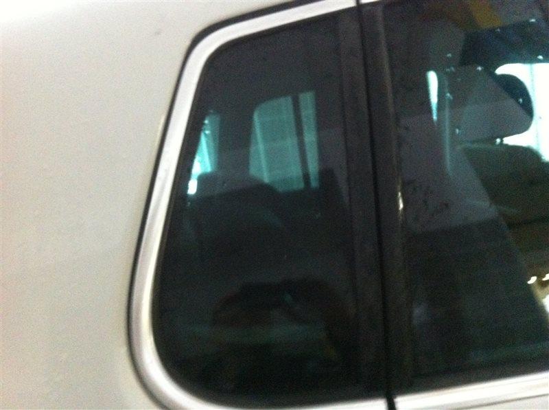 Стекло собачника Volkswagen Tiguan 5N2 2.0TFSI 2014 заднее правое