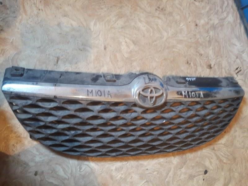 Решетка радиатора Toyota Duet M100A 2000