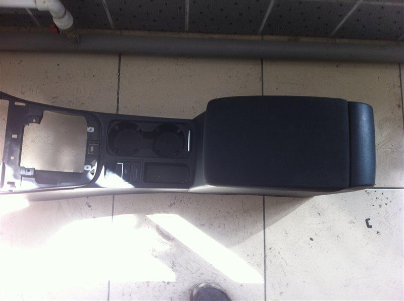 Бардачок межсидений Volkswagen Tiguan 5N2