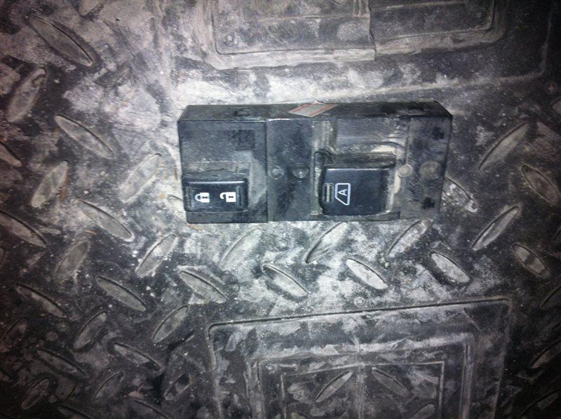 Кнопка стеклоподъемника Infiniti Qx56 Z62