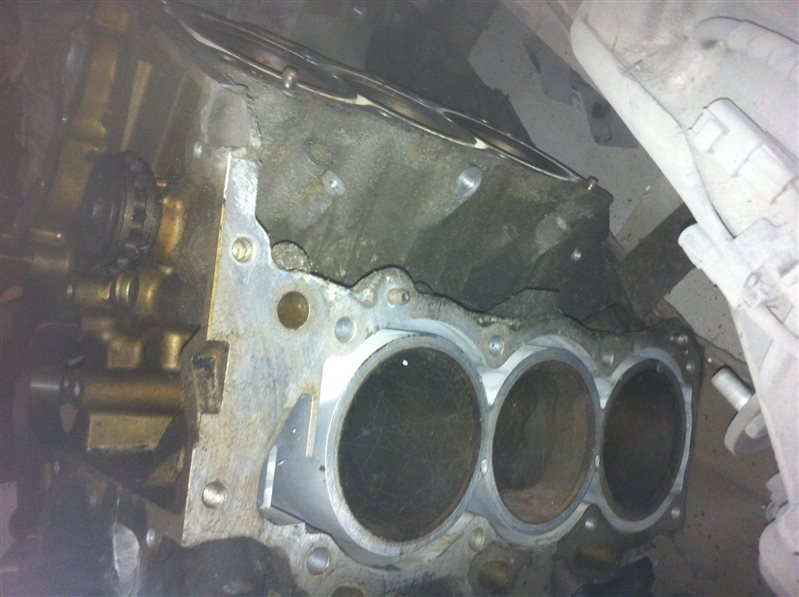 Блок двигателя Nissan Maxima 32 VQ30 1996