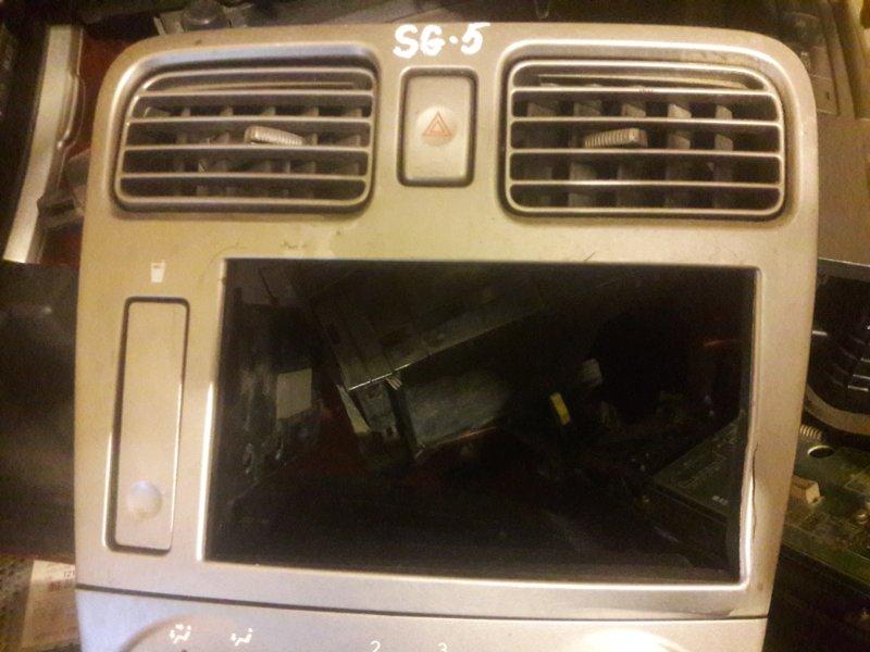 Консоль магнитофона Subaru Forester SG5, SG9 EJ20 2006