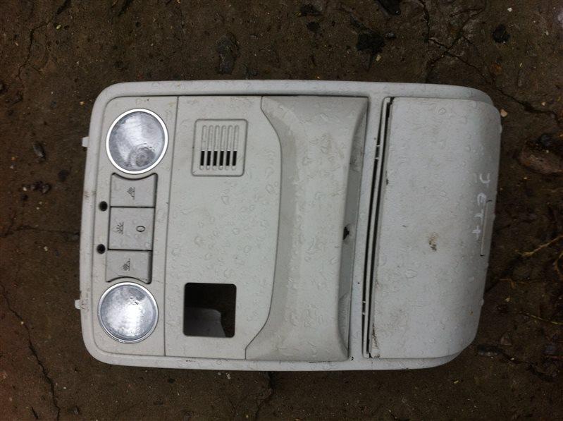Плафон подсветки светильник салона Volkswagen Jetta