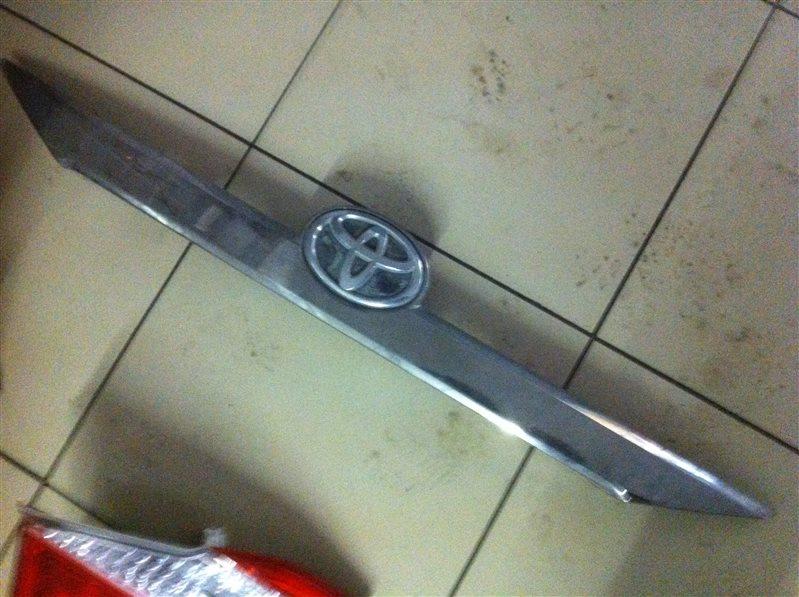 Накладка декоративная Toyota Camry ASV50 задняя
