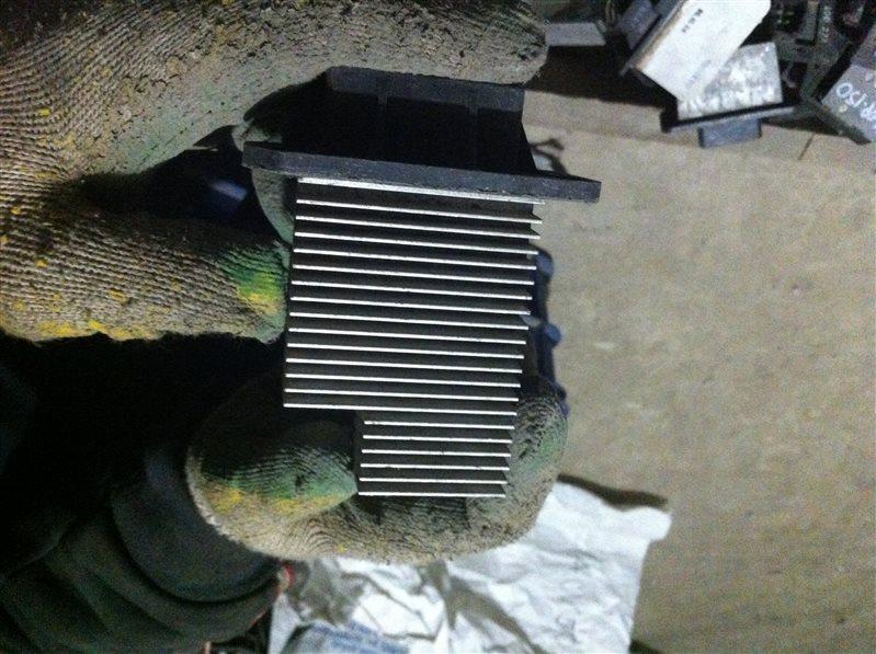 Резистор реостат отопителя печки Toyota Vista 50