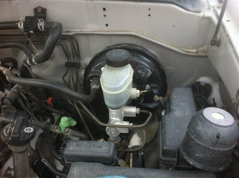 Главный тормозной цилиндр Toyota Sequoia UCK45 2UZ FE 2005