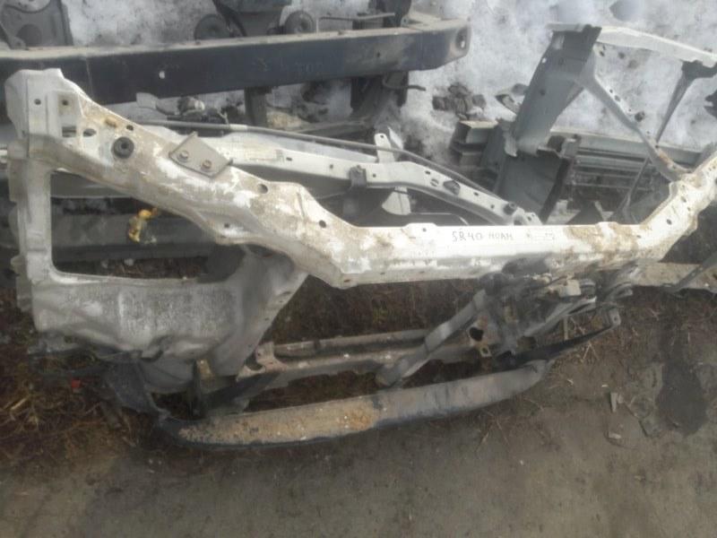 Рамка радиатора Toyota Noah SR40, SR50, CR40, CR50