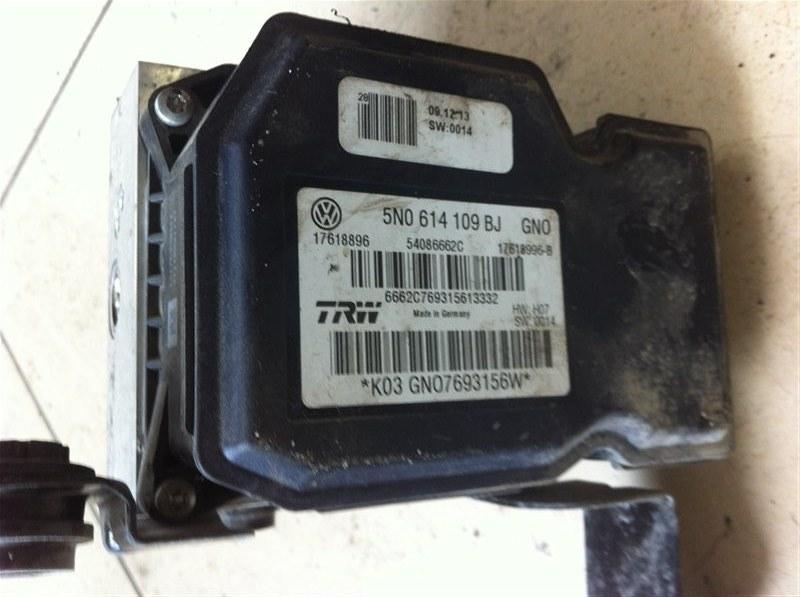 Блок abs Volkswagen Tiguan 5N2 2.0TFSI 2014