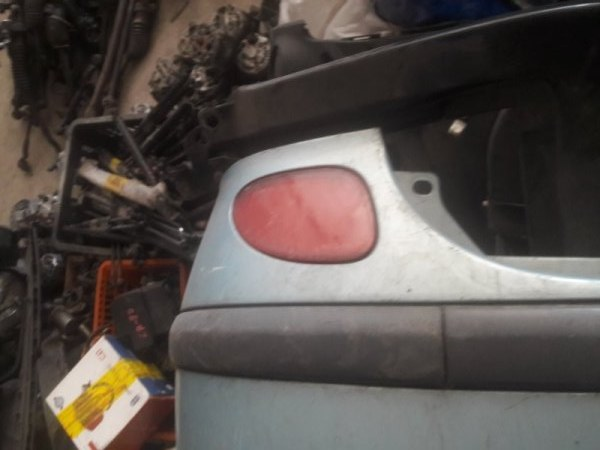 Катафот в бампер Nissan Tino V10 QG18DE 2003 задний