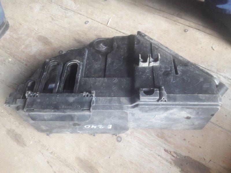 Корпус блока предохранителй Mercedes-Benz E240 WDB210 M112.911 E24 1998