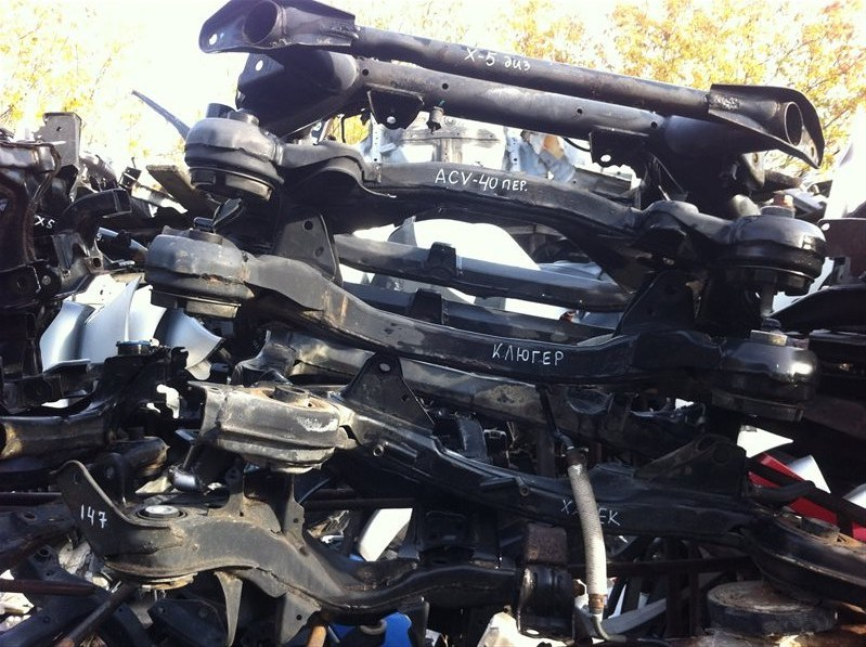 Балка подвески Toyota Harrier MCU15 MCU10 передняя