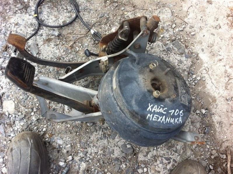 Вакуумный усилитель тормозов Toyota Hiace 106