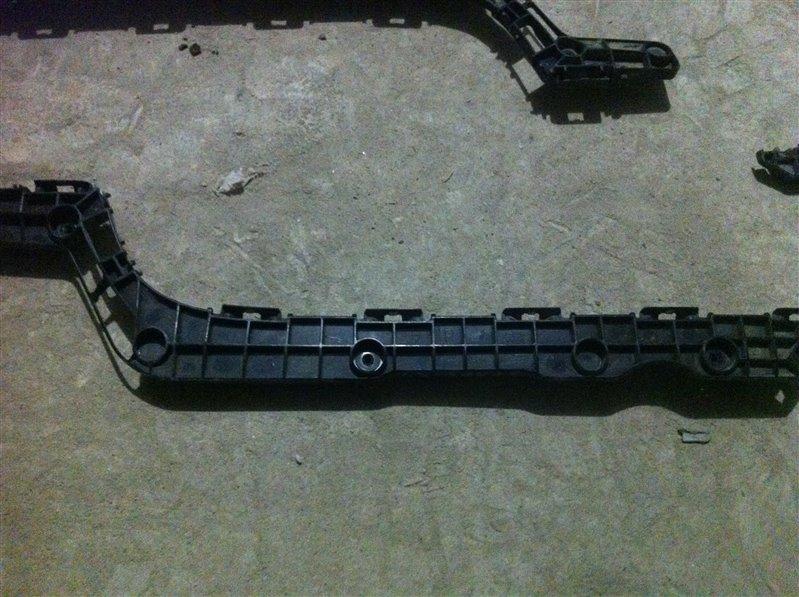 Крепление клипса бампера Lexus Lx570 200
