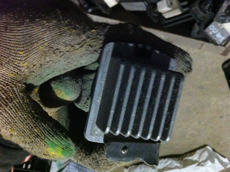 Резистор реостат отопителя печки Suzuki Grand Vitara 52