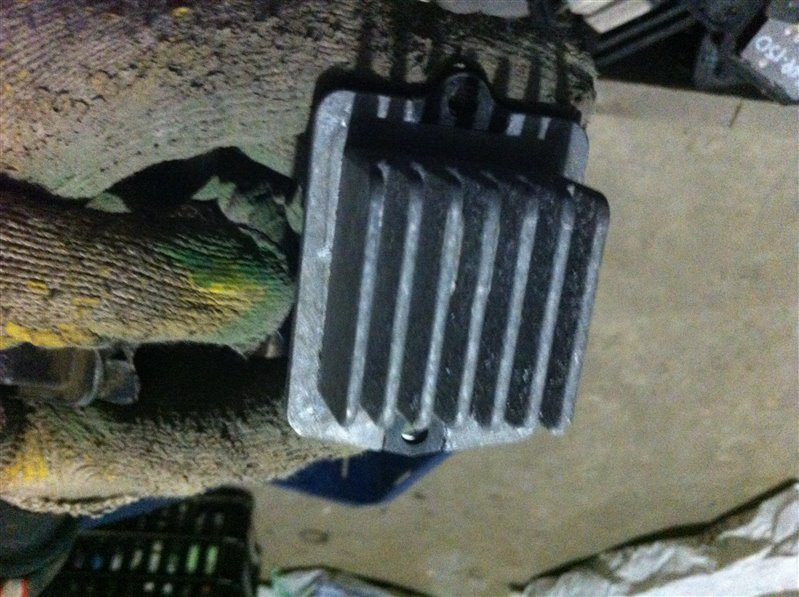 Резистор реостат отопителя печки Suzuki Escudo TD01W