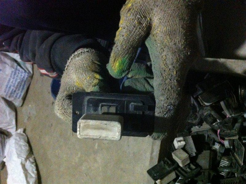 Резистор реостат отопителя печки Toyota Camry SV40 3SFE