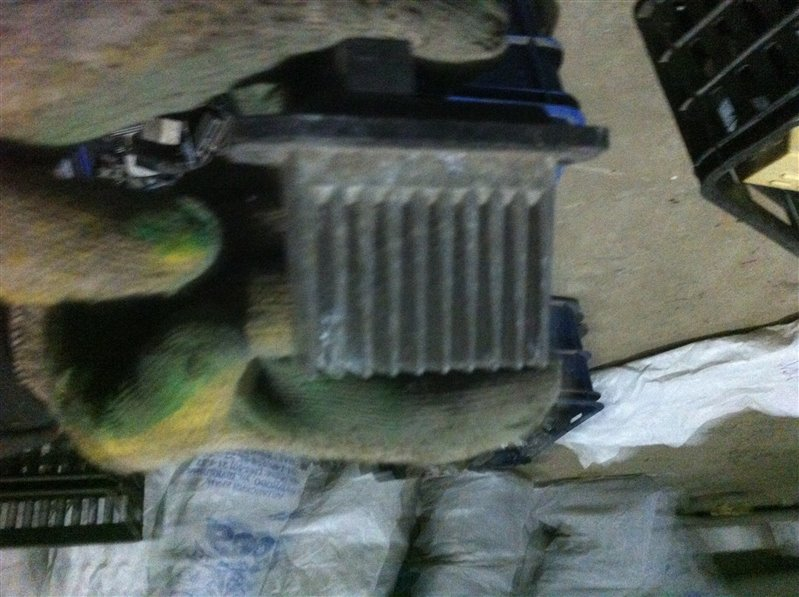 Резистор реостат отопителя печки Mitsubishi