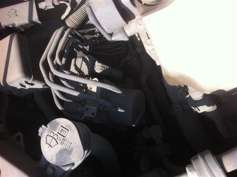 Блок управления abs Toyota Highlander GSU45. GSU40 2GR 2012