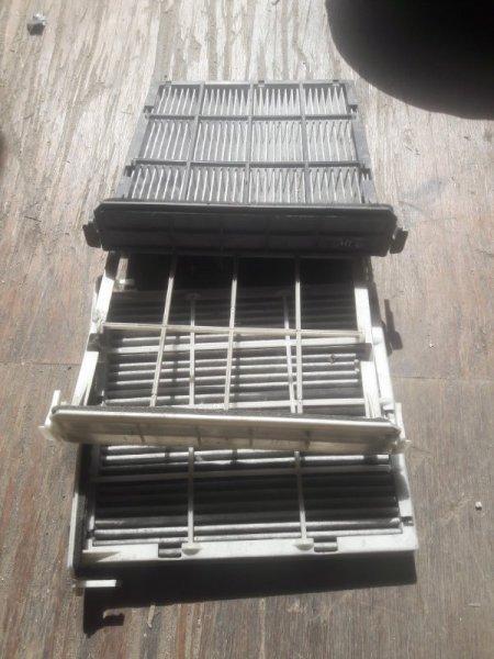 Рамка корпус салонного фильтра Toyota Premio ZZT240, ZZT245, AZT240, NZT240 1NZFE, 1ZZFE, 1AZFE 2003