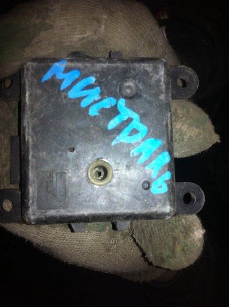 Сервопривод заслонок печки Nissan Mistral R20